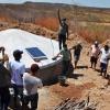 Famílias do semiárido recebem placas e bombas solares para melhoramento na produção de alimentos